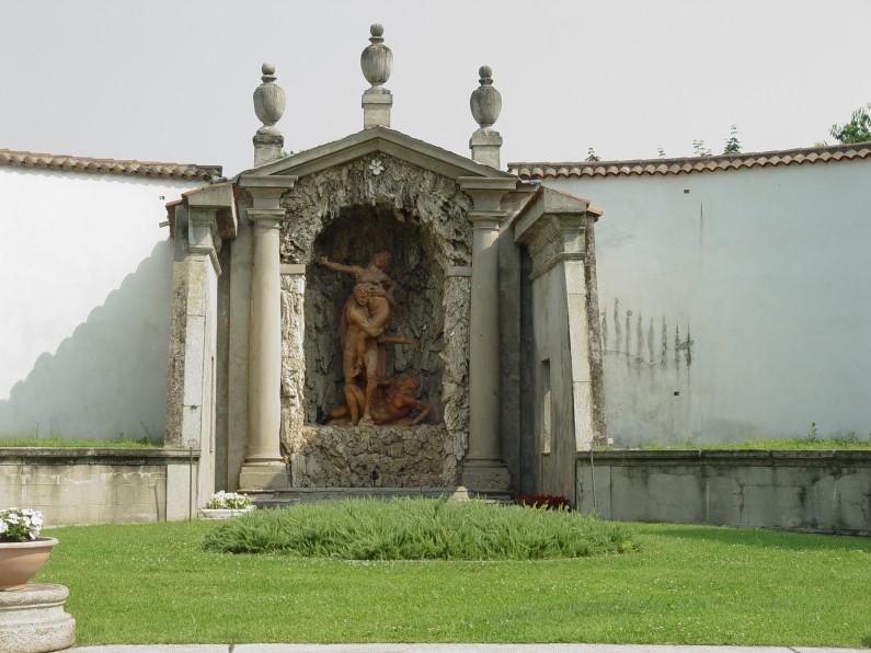 28 Gruppo scultoreo del Ratto delle Sabine (1)
