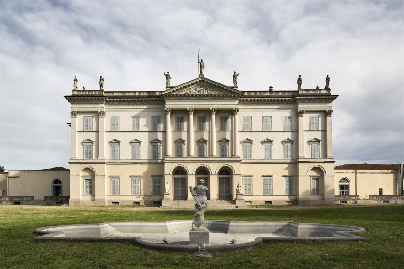 General view of the south façade of the villa (ISAL Photo Archive-BAMS Photo Rodella)