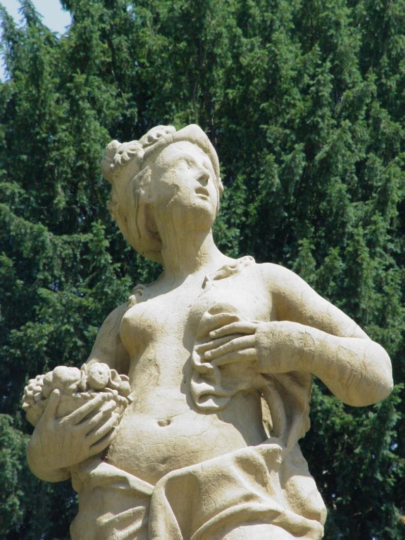19CE Statue del parco (2)
