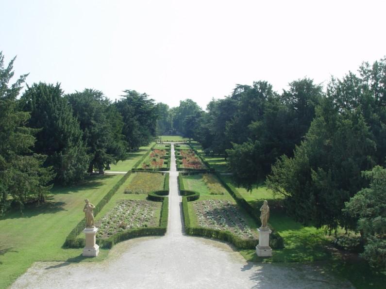 3CE Il Parco storico-pertinenziale della villa (2)