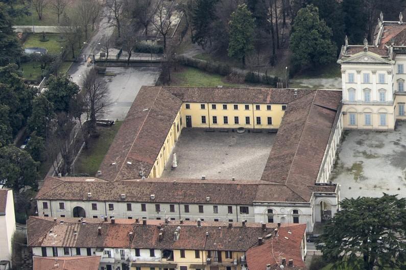 Fotografia da elicottero dell'area orientale del complesso architettonico della villa (Fototeca ISAL)