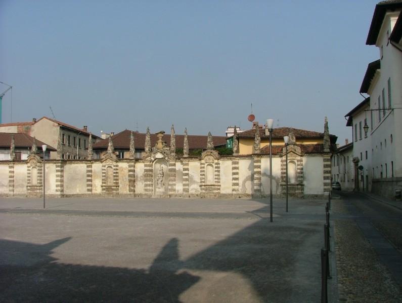 Piazza Esedra o Piazza del Teatro (2)