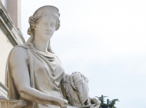 17D2-La-Statua-di-Pompeo-Marchesi-raffigurante-lAllegoria-dellOspitalitÖ-2-795x672