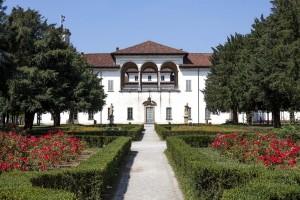 2CE Presentazione generale di Palazzo Arese Borromeo (1)
