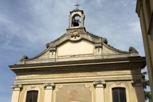 Gli affreschi esterni della capella - Villa Crivelli Pusterla