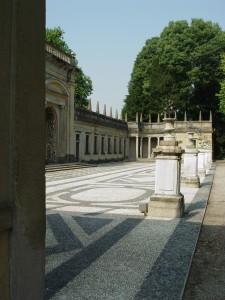 Lainate, Villa Borromeo Visconti Litta, Ninfeo, particolare della facciata settentrionale (Fototeca ISAL).