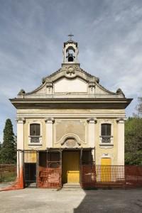 Villa Pusterla a Limbiate, esterno della Cappella di Santa Maria Assunta e San Francesco d'Assisi (Fototeca ISAL-BAMS Photo Rodella)