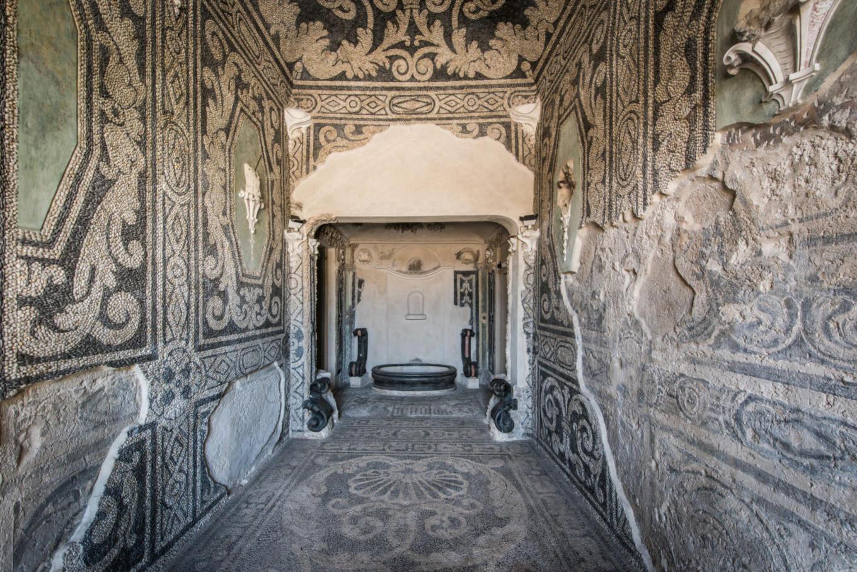 Saletta a mosaico detta 'dei bagni'